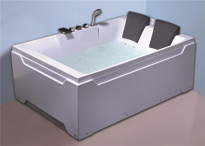 2 people comfortable freestanding whirlpool  / jacuzzi  massage white color bath tub